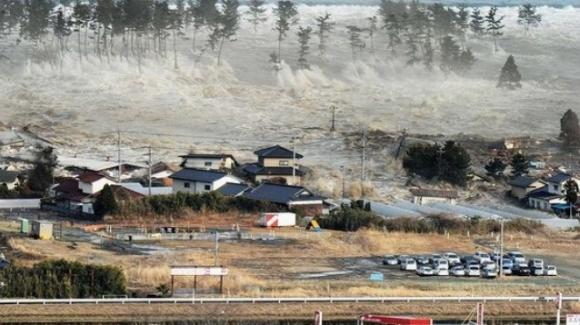 Giappone: tsunami e terremoto in un video virale, ma è una fake news