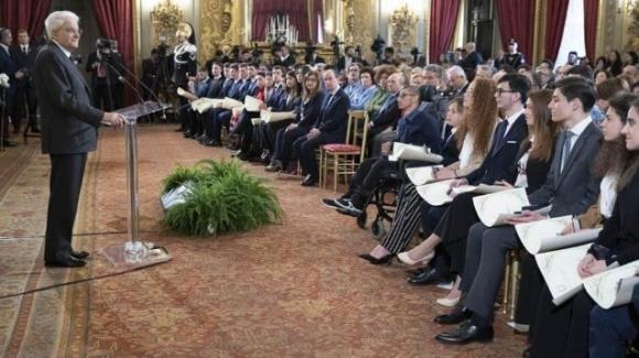 Sergio Mattarella premia 25 giovani con l'attestato di Alfieri della Repubblica