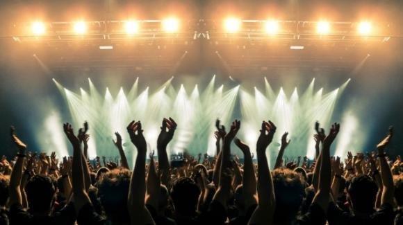 Tour musicali rinviati a data da destinarsi: nessun rimborso in vista