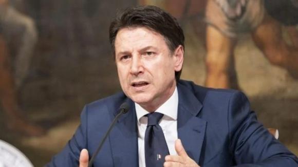 """Coronavirus, Giuseppe Conte: """"Mascherine a 0,50 euro, possibilità di spostamenti mirati per far visita a congiunti"""""""