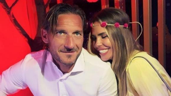"""Ilary Blasi compie 39 anni, gli auguri di Totti: """"Sei il regalo mio più grande"""""""
