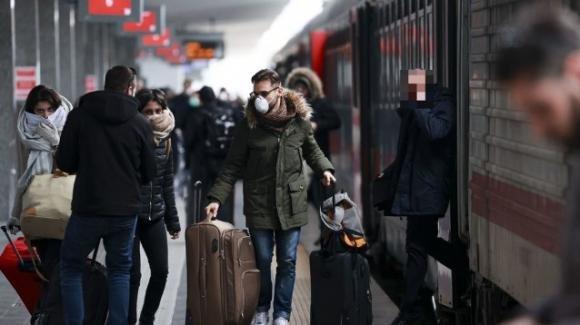 Coronavirus, 4 maggio: biglietti treni e aerei sold out. Previsto nuovo esodo sull'asse nord-sud Italia
