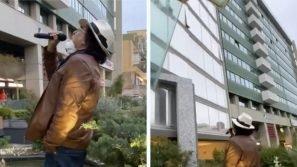 """Coronavirus, Al Bano canta """"Felicità"""" al Policlinico di Bari per malati e medici"""