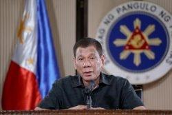 "Duterte ordina: ""Sparare a chi viola la quarantena"""