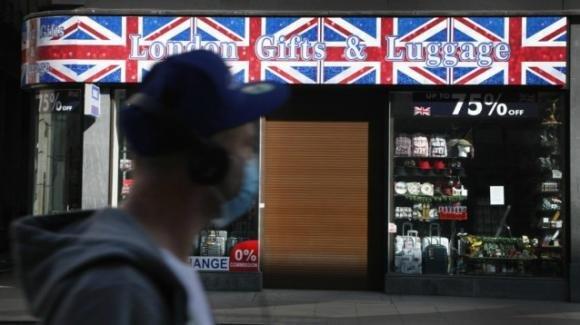 Covid-19 – UK: il governo pubblica una valutazione dei casi molto più drammatica