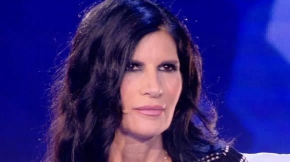 Mediaset, il caso Pratiful torna un anno dopo: Pamela Prati non ci sta