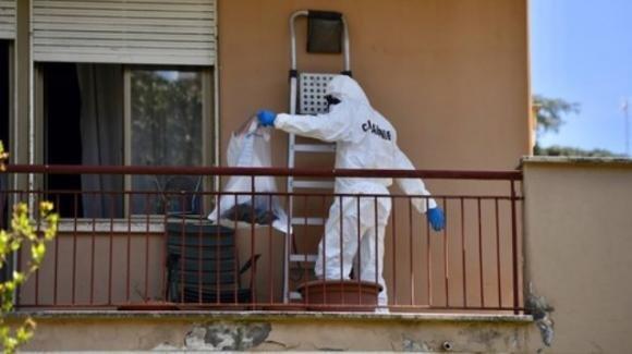 Roma: un cadavere carbonizzato è stato scoperto su un balcone