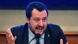 Matteo Salvini vuole eliminare le autocertificazioni e chiede all'Unione Europea un risarcimento danni contro la Cina