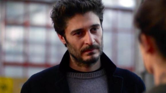 """Sopravvissuti, Lino Guanciale parla della nuova serie: """"Un progetto internazionale, poi il Commissario Ricciardi"""""""