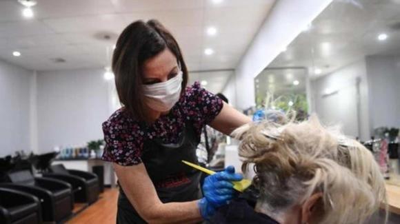 Coronavirus: dal 18 maggio riaprono in Puglia parrucchieri e centri estetici