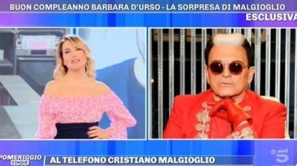 """Pomeriggio Cinque, Barbara D'Urso e il fuoriprogramma di Malgioglio: """"Ti amo"""""""