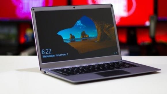 Yepo737A6: in promo l'ultrabook low cost per lo smart working, con SSD