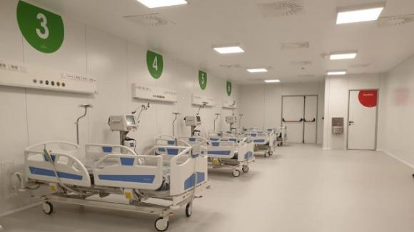 Milano, l'ospedale della Fiera chiuderà nel giro di due settimane: è costato 21 milioni ed ha ospitato solo 25 pazienti