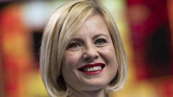 Antonella Elia contesa tra Rai e Mediaset