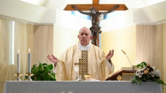 Papa Francesco la mondanità è effimera, ma ha radici profonde