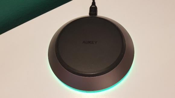 AUKEY LC-Q11: caricabatterie wireless per smartphone con funzione di ricarica veloce
