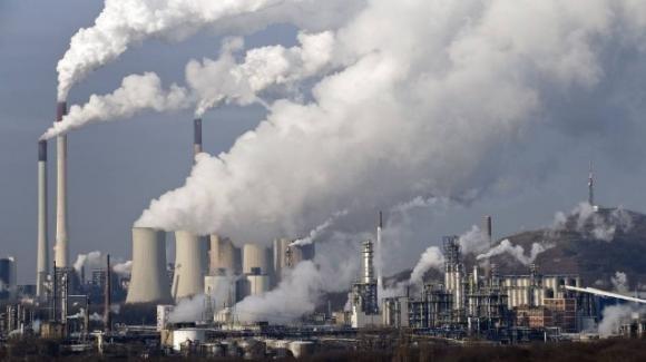 Covid-19, India: per la prima volta in 40 anni crollano le emissioni di CO2