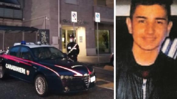 Torino: Alex Pompa, che aveva ucciso il padre, va ai domiciliari e potrà sostenere l'esame di maturità