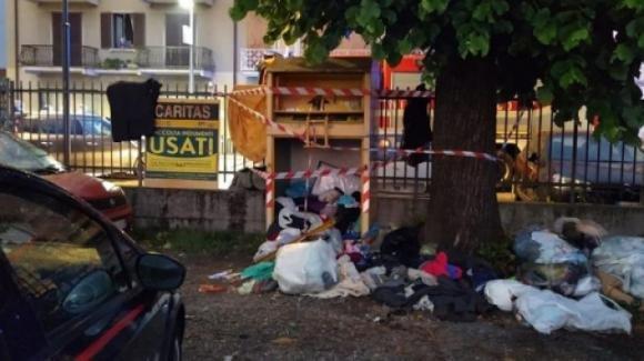 Bergamo: bimbo di dieci anni morto intrappolato nel cassonetto per la raccolta di indumenti usati