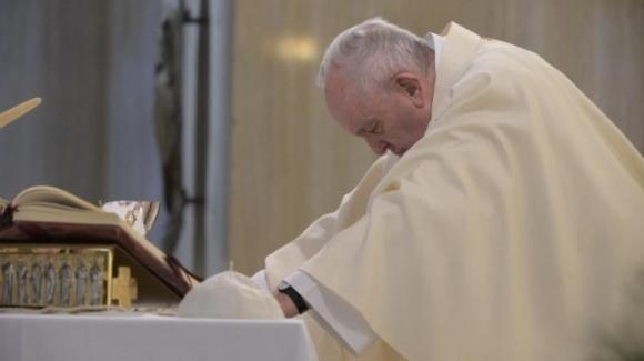 Papa Francesco prega in mondovisione con tutti i santuari