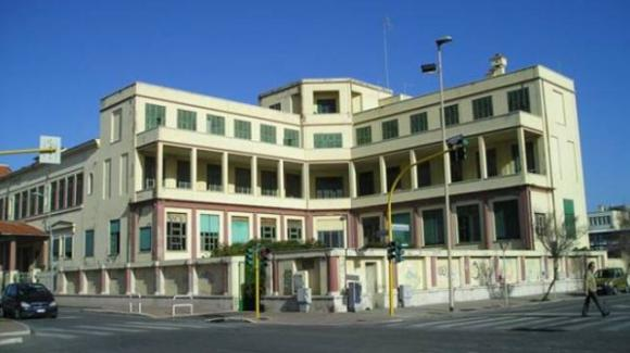 Ostia (Roma), residenti compatti: l'ex colonia Vittorio Emanuele va sgomberata