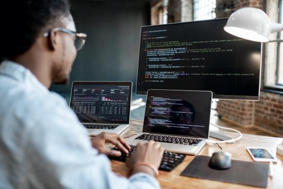 L'evoluzione del web e dei linguaggi di programmazione: imparare non è mai troppo tardi