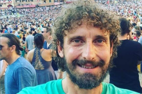 Chi taglia i capelli di Giuseppe Conte? Le Iene indagano ...