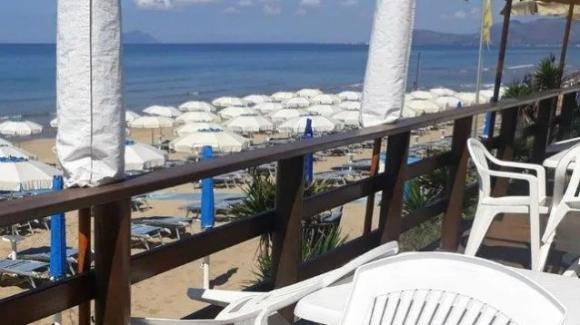 Sperlonga (Latina), turista in spiaggia con febbre molto alta: rimandata a casa