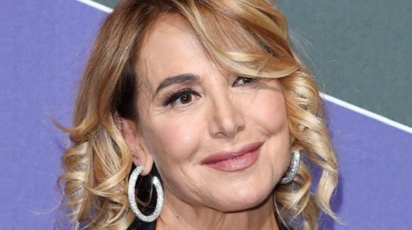 Brutto incidente per Barbara D'Urso, la conduttrice è sotto antidolorifici