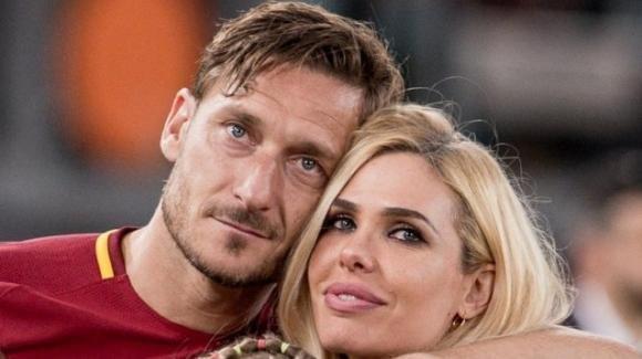 Totti-Blasi, anniversario di matrimonio: la dedica dell'ex calciatore alla moglie