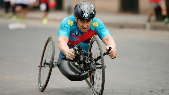 Grave incidente per Alex Zanardi, travolto da un camion sulla sua handbike