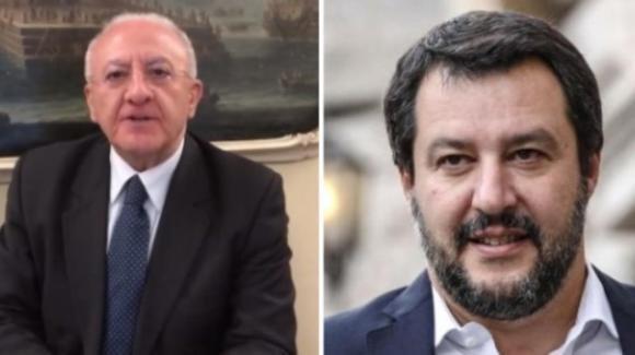 """Vincenzo De Luca attacca duramente Matteo Salvini: """"Ha la faccia come un fondoschiena"""""""