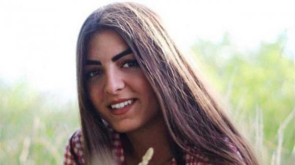 Frosinone: compagni di classe discutono la maturità al posto di Stella, morta a 18 anni in un incidente