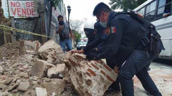 Messico: tsunami e terremoto magnitudo 7.4. Almeno 6 morti