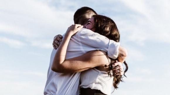 """""""Nemmeno il tempo di un abbraccio"""", il romanzo sul Covid-19"""