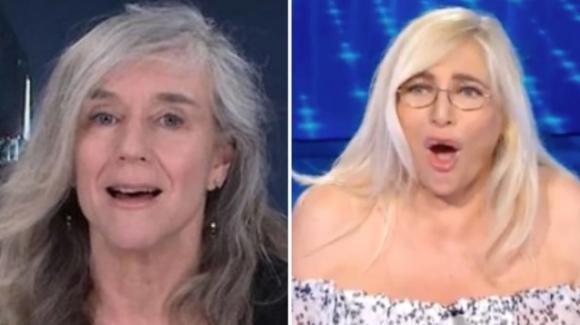 """Domenica In, Giovanna Botteri lancia una frecciatina a """"Striscia la Notizia"""" e lascia la Venier senza parole"""