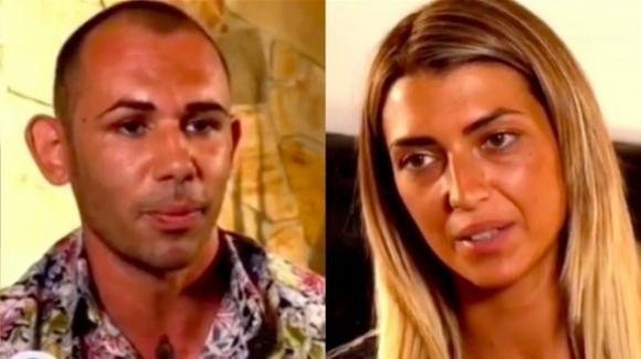 """""""Temptation Island"""", una coppia è già scoppiata e ha abbandonato la trasmissione: l'indiscrezione"""