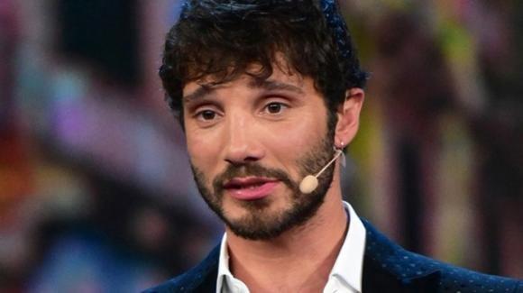 Stefano De Martino e la love story segreta: il ballerino chiarisce
