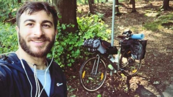 Non ci sono voli: ragazzo palermitano torna in bicicletta dalla Polonia