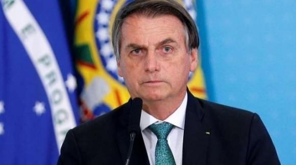 Brasile, il presidente Bolsonaro è affetto da Coronavirus. Positivo è risultato il tampone