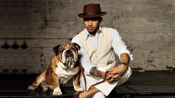 Lewis Hamilton, il campione di Formula 1 racconta il rapporto con il suo cane Roscoe