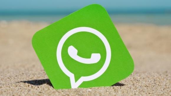 WhatsApp: sticker animati per tutti, dark mode su Windows, novità per le aziende