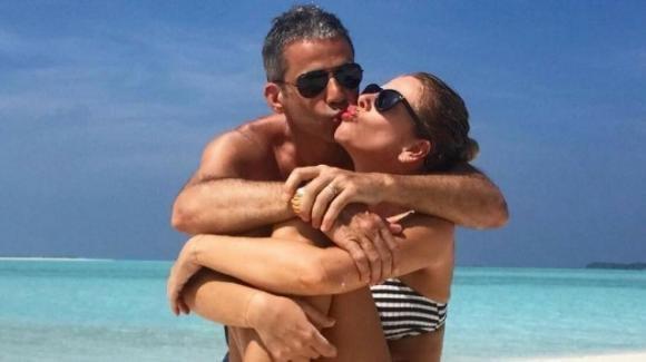 Alessia Marcuzzi, la vacanza col marito placa il gossip che la vede coinvolta con De Martino