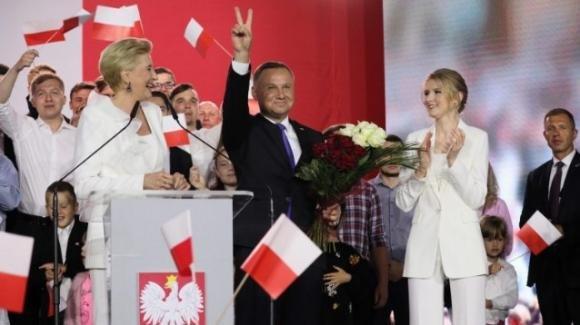 Polonia, fallisce la spallata dell'opposizione: Andrzej Duda è rieletto presidente