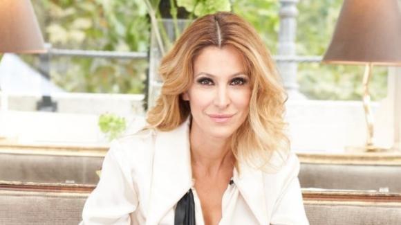 """Adriana Volpe, commento al vetriolo contro Magalli: """"Per lui sono un'ossessione"""""""