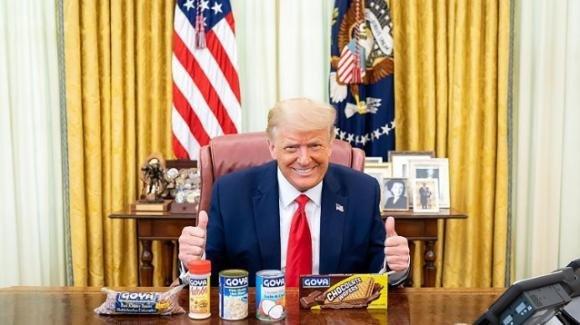 Usa, Donald Trump nella bufera per la sua pubblicità ai fagioli della Goya