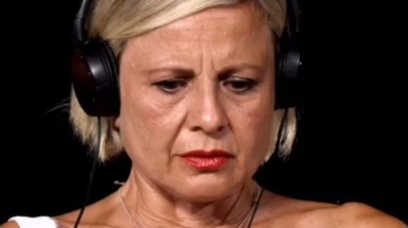 """Anticipazioni """"Temptation Island"""", Antonella Elia disperata: """"Ma cosa sta facendo Pietro?"""""""