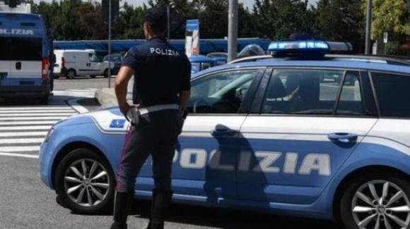 """Milano, ragazza riceve un pacco """"stupefacente"""": invece dei jeans arriva un chilo e mezzo di droga"""
