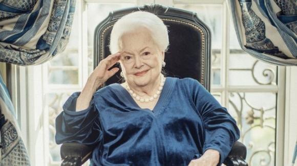 """Addio a Olivia de Havilland, a 104 anni era l'ultima del cast di """"Via col Vento"""" ancora in vita"""