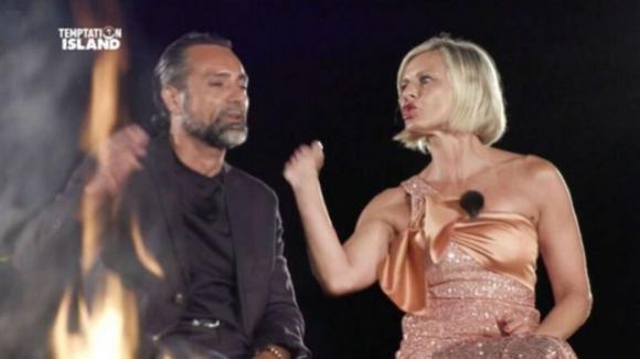"""Temptation Island, Antonella Elia decide di lasciare Pietro Delle Piane: """"Mi fai schifo"""""""